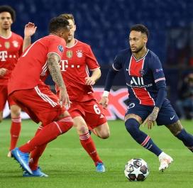 Neymar omniprésent en première période