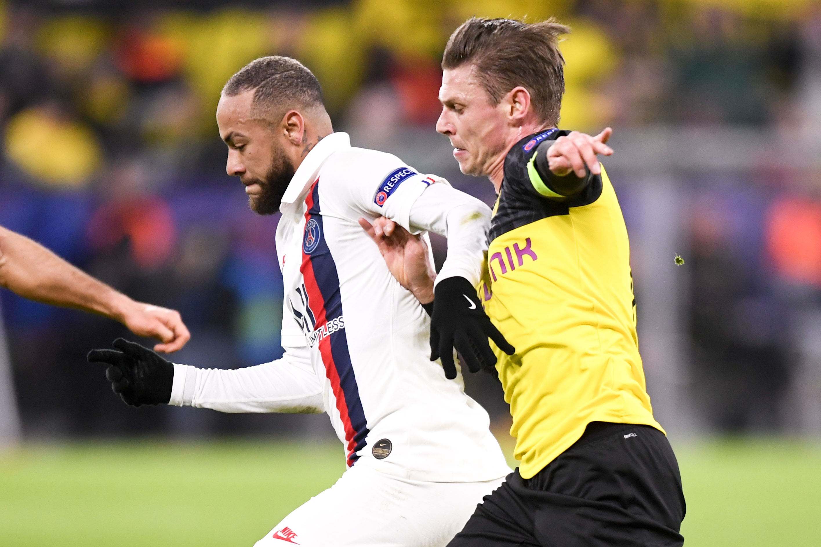 Football - Ligue des champions - Paris SG-Dortmund : le huis clos de tous les dangers