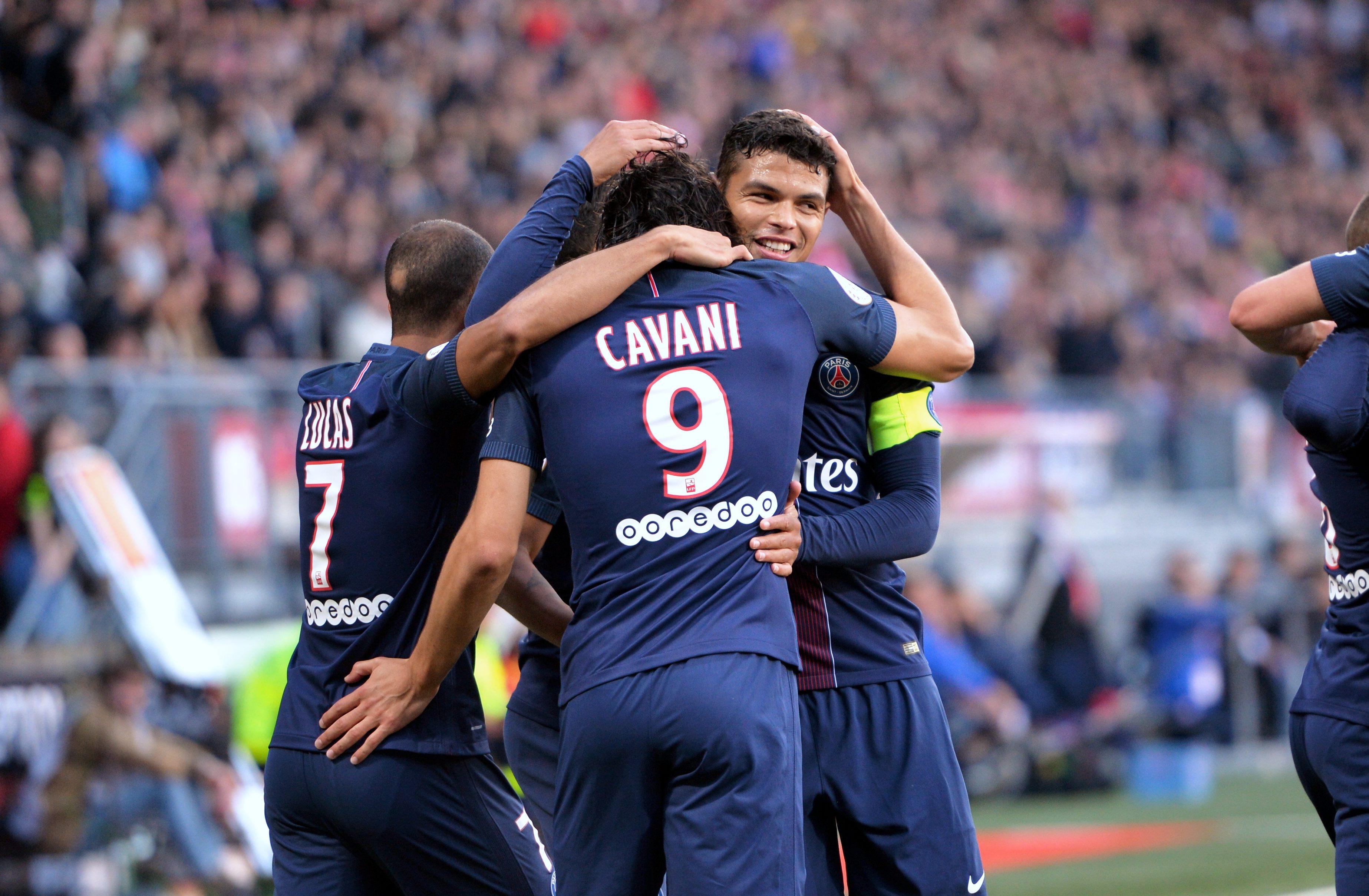 Football - Ligue des champions - Presque une Bâle de match pour Paris