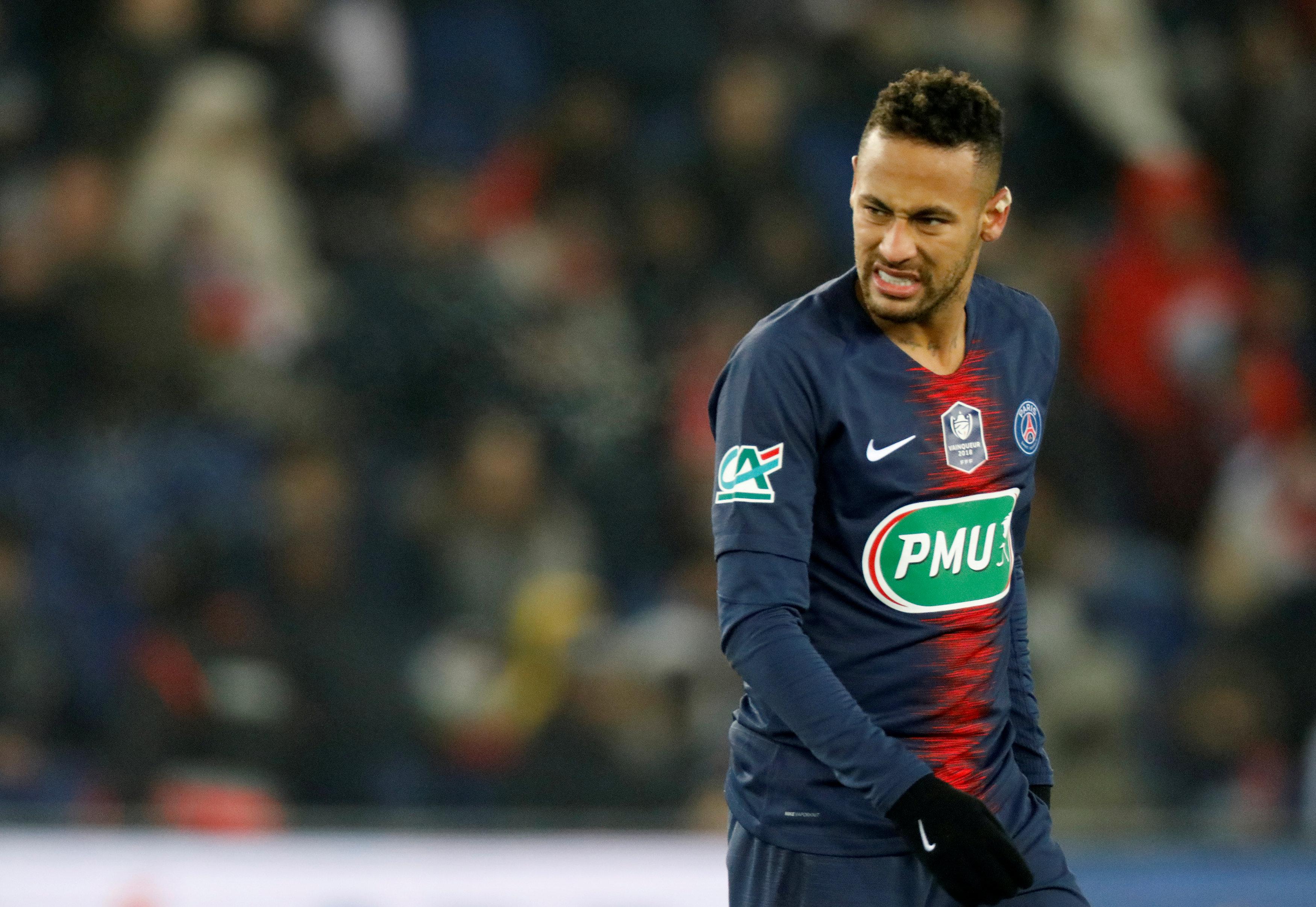 Football - Ligue des champions - PSG : Neymar forfait pour les deux matches face à Manchester ?