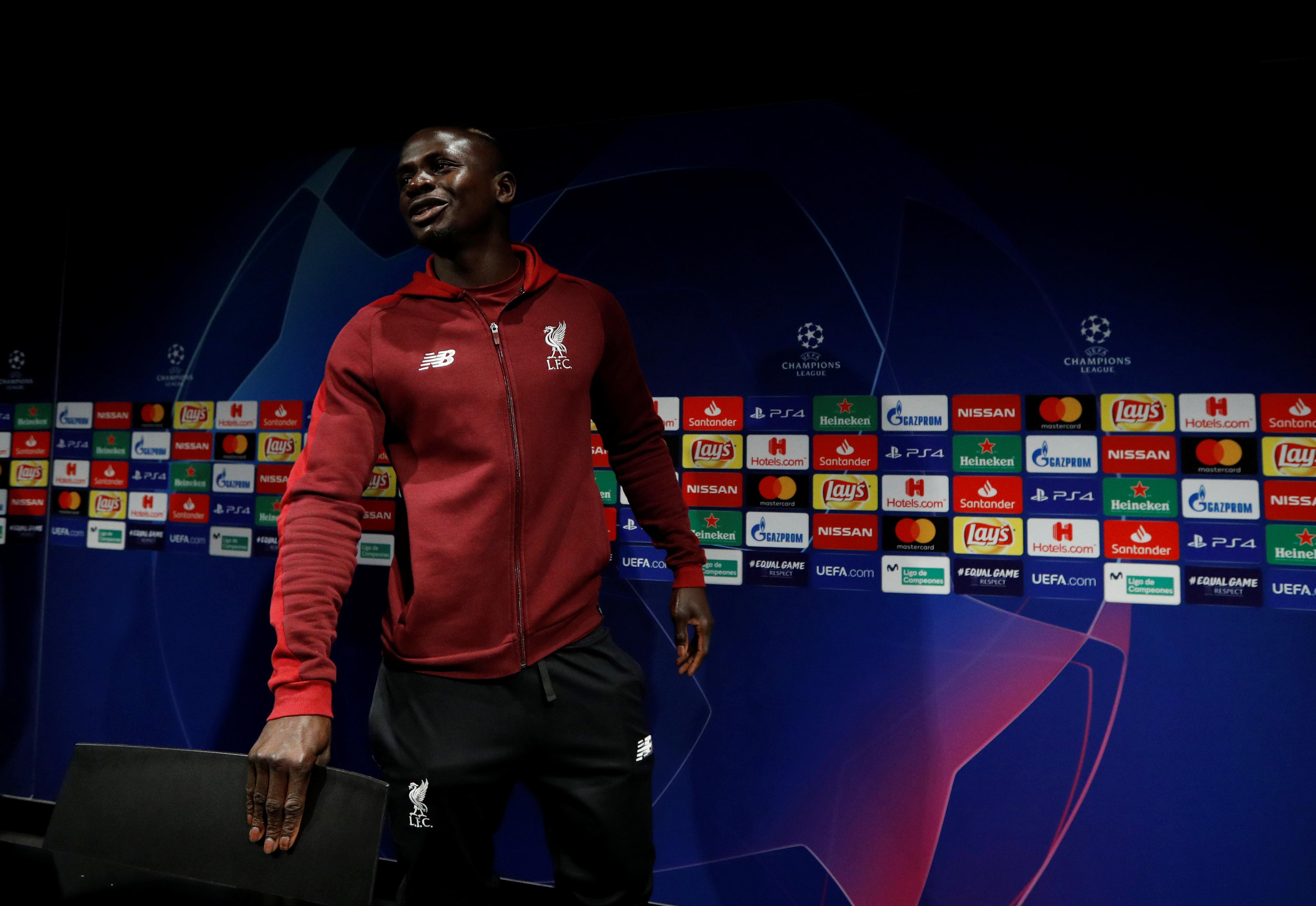 Football - Ligue des champions - «Très heureux» à Liverpool, Mané balaie les rumeurs qui l'envoient au Real