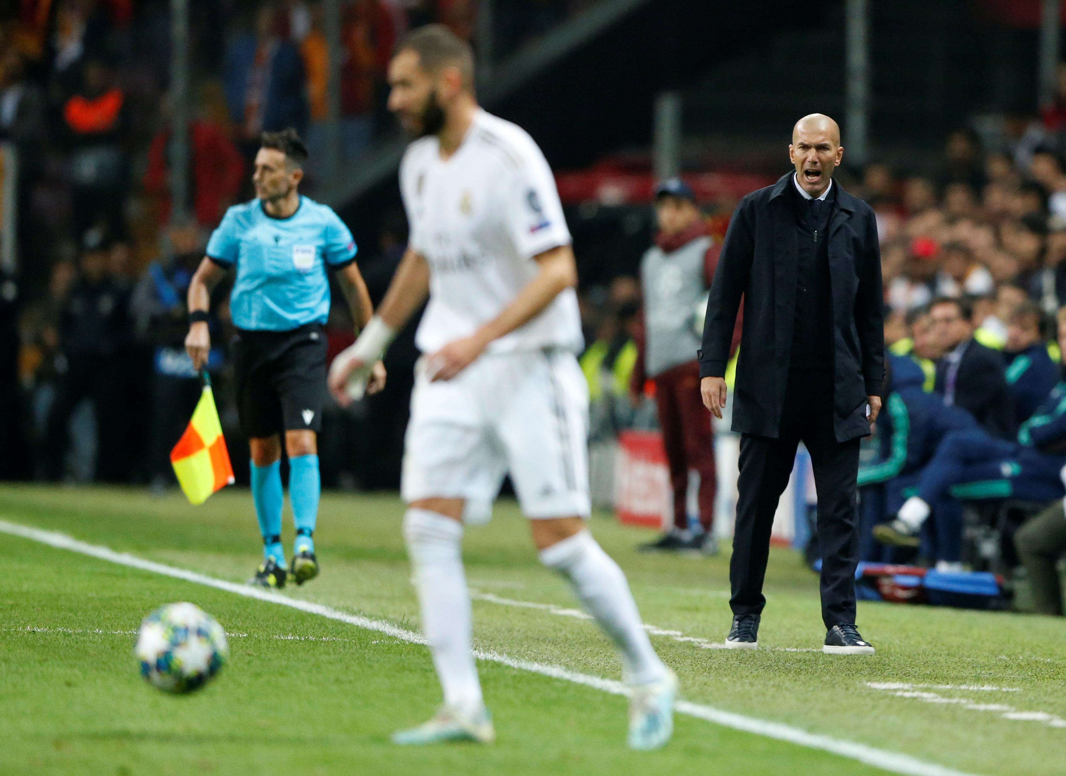 Football - Ligue des champions - Vainqueur à Galatasaray, Zidane s'est donné un peu d'air