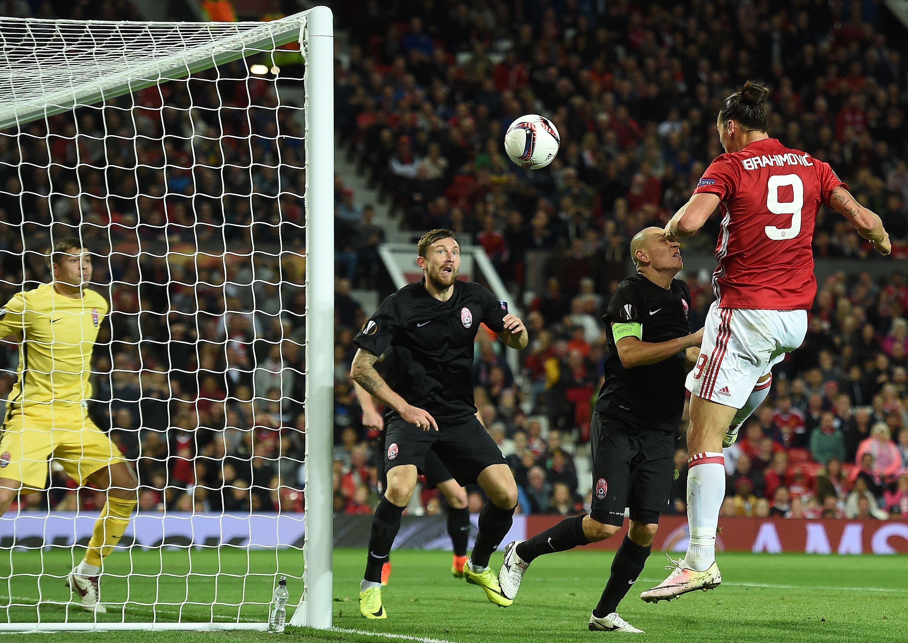 Football - Ligue Europa - Le but de Zlatan qui libère des Red Devils poussifs (vidéo)