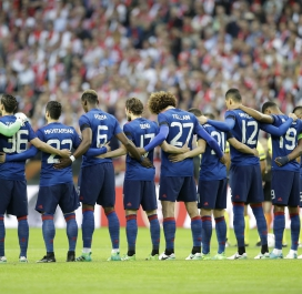 Minute de silence, puis d'applaudissements avant MU-Ajax