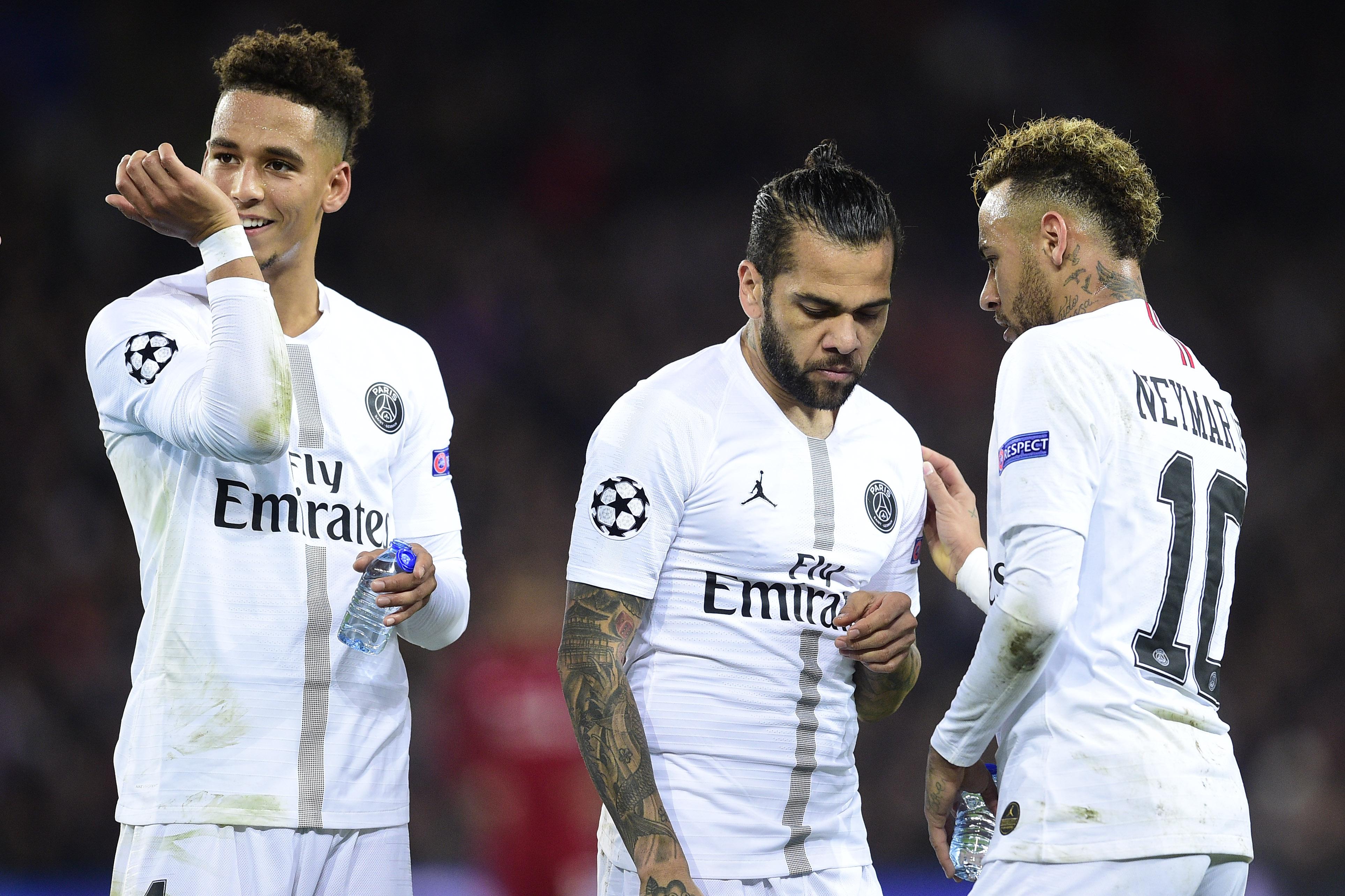 Football - Transferts - Alves alimente le feuilleton Neymar : «Son bonheur est à Barcelone»