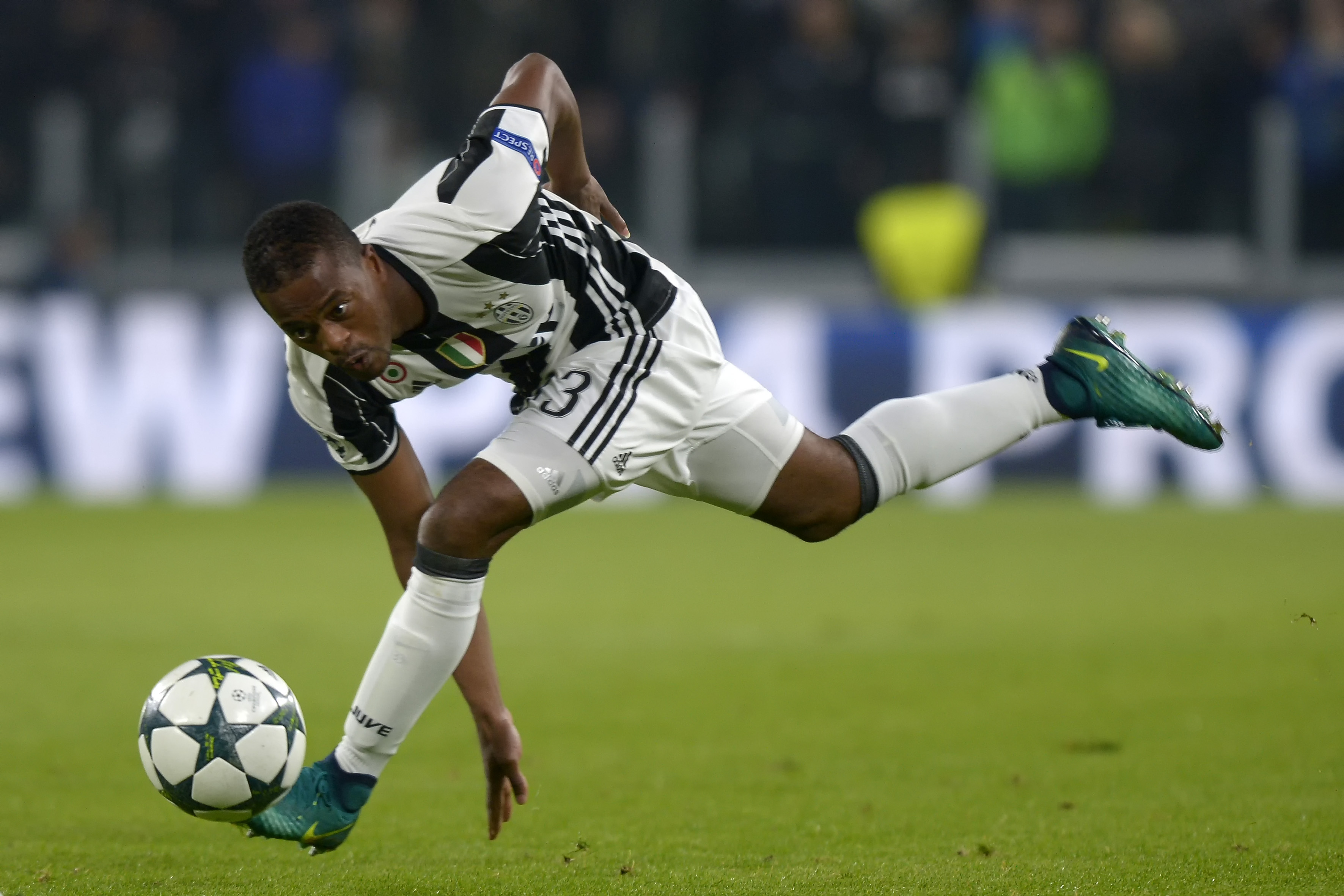 Football - Transferts - Evra, un départ qui se précise
