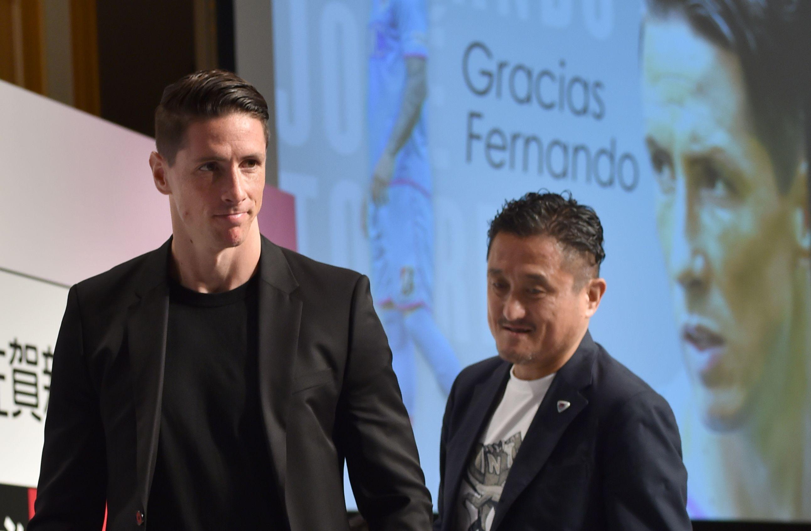 Football - Transferts - Fernando Torres arrêtera après un match contre le Vissel de Villa et Iniesta