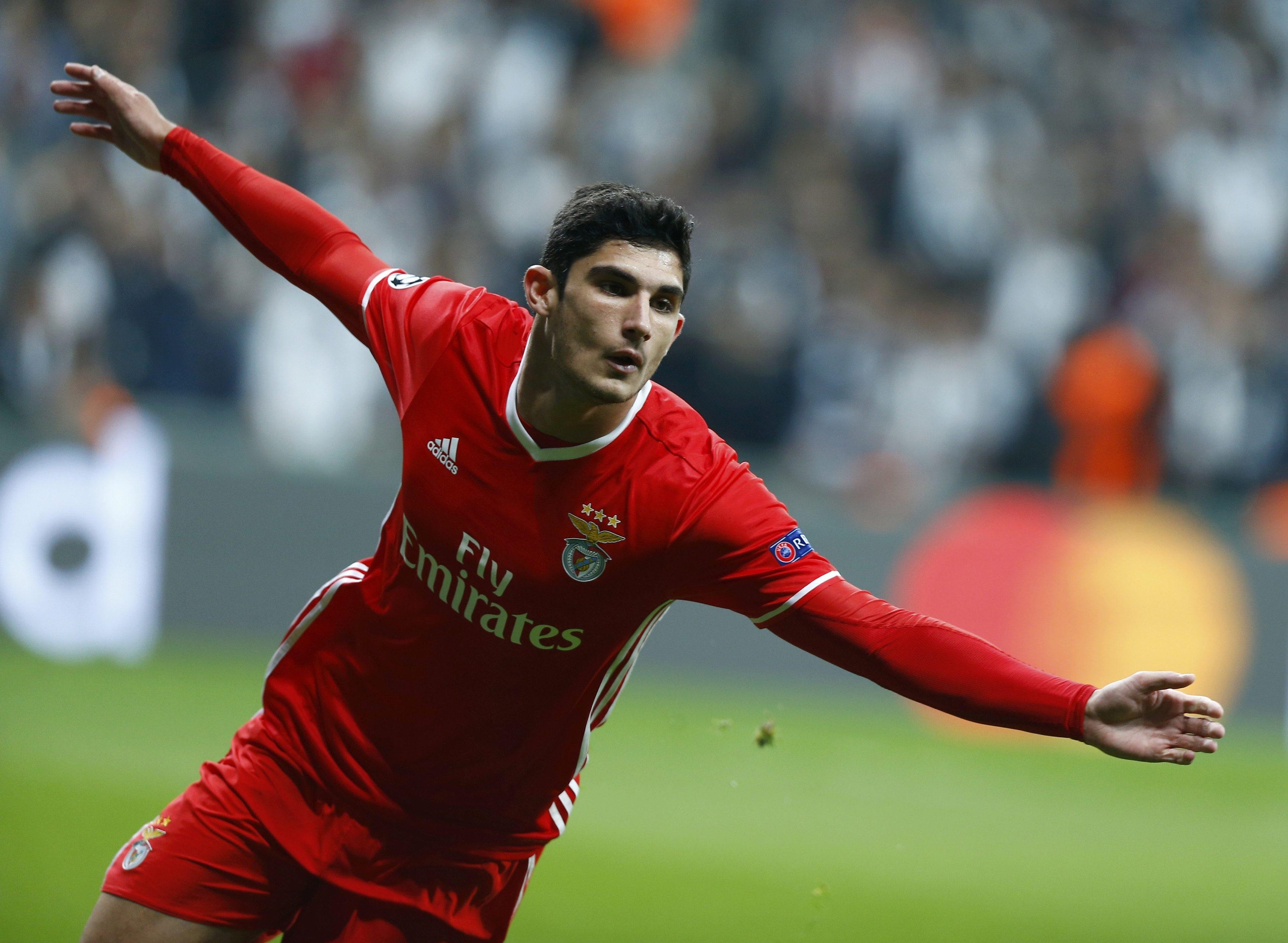 Football - Transferts - Et si le PSG avait trouvé la doublure de Cavani avec Guedes ?