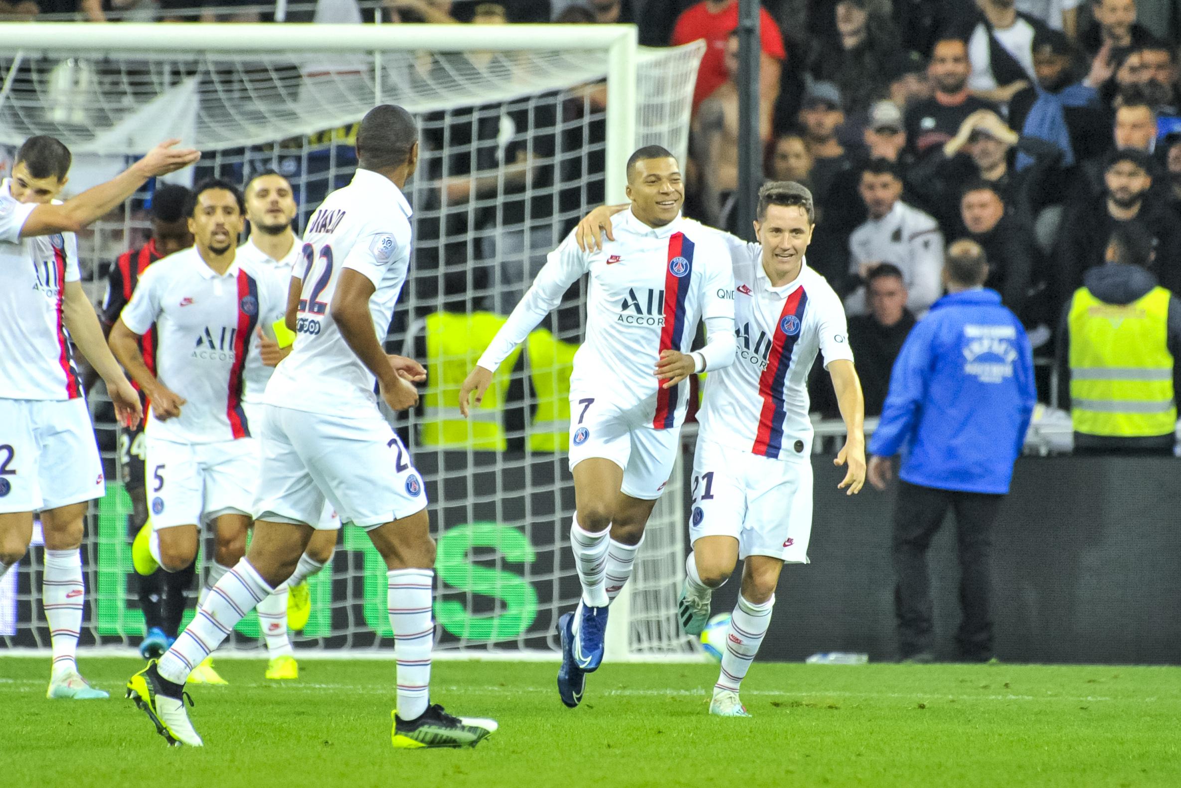 http://sport24.lefigaro.fr/var/plain_site/storage/images/football/transferts/actualites/herrera-sur-l-avenir-de-neymar-et-mbappe-le-psg-ne-vend-pas-ses-stars-il-en-achete-1003842/27171331-1-fre-FR/Herrera-sur-l-avenir-de-Neymar-et-Mbappe-Le-PSG-ne-vend-pas-ses-stars-il-en-achete.jpg