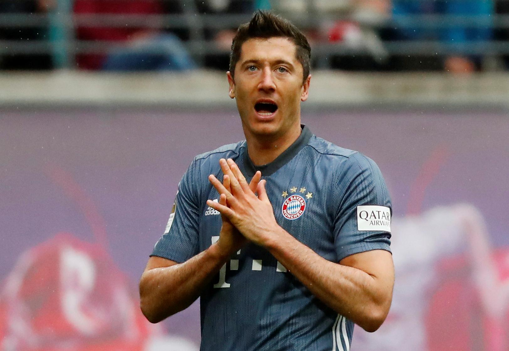 Football - Transferts - Le journal du mercato : Le PSG veut prolonger Buffon et drague Lewandowski