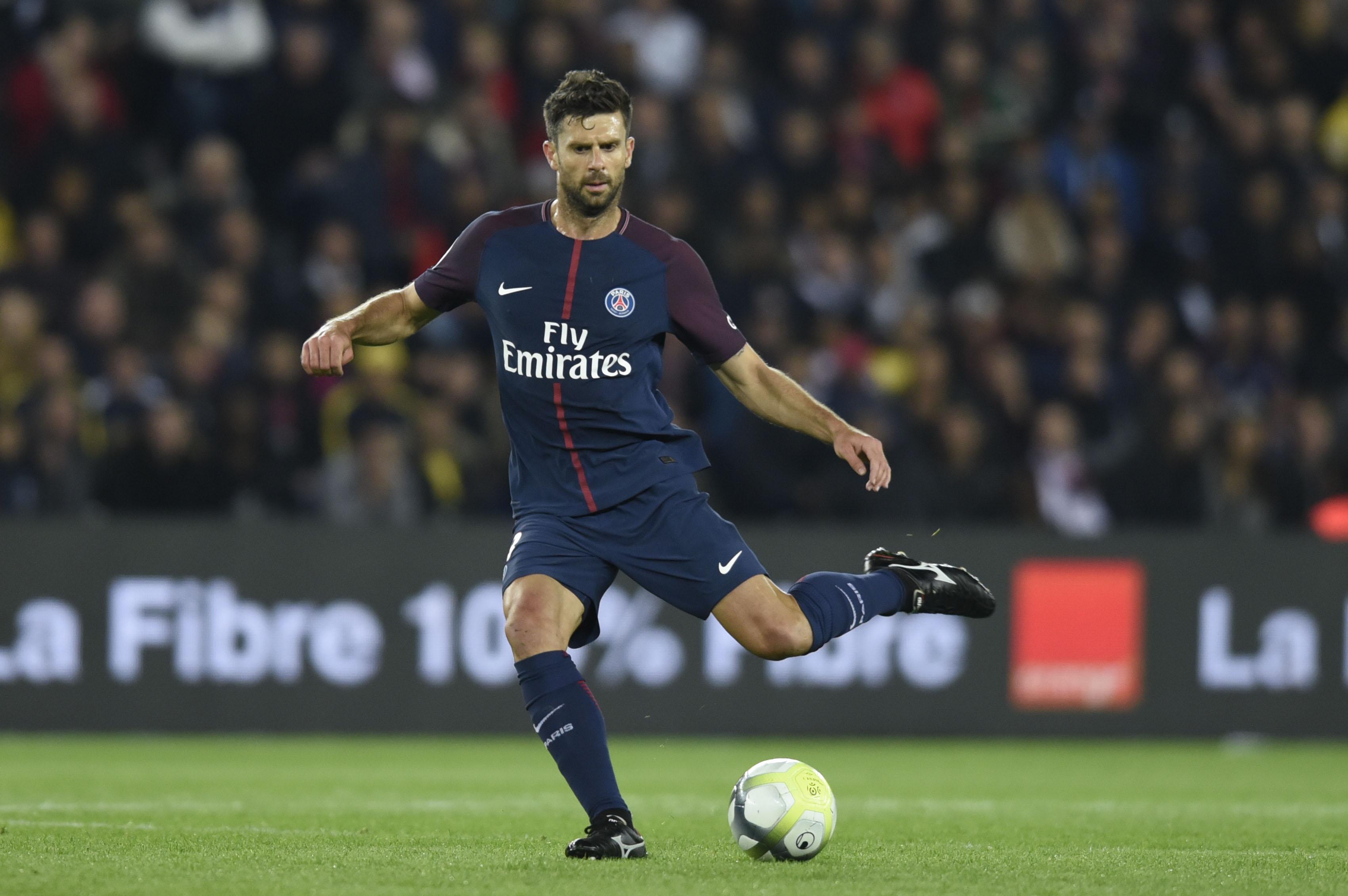 Football - Transferts - Le journal du mercato : le PSG (toujours) en quête d'un milieu défensif