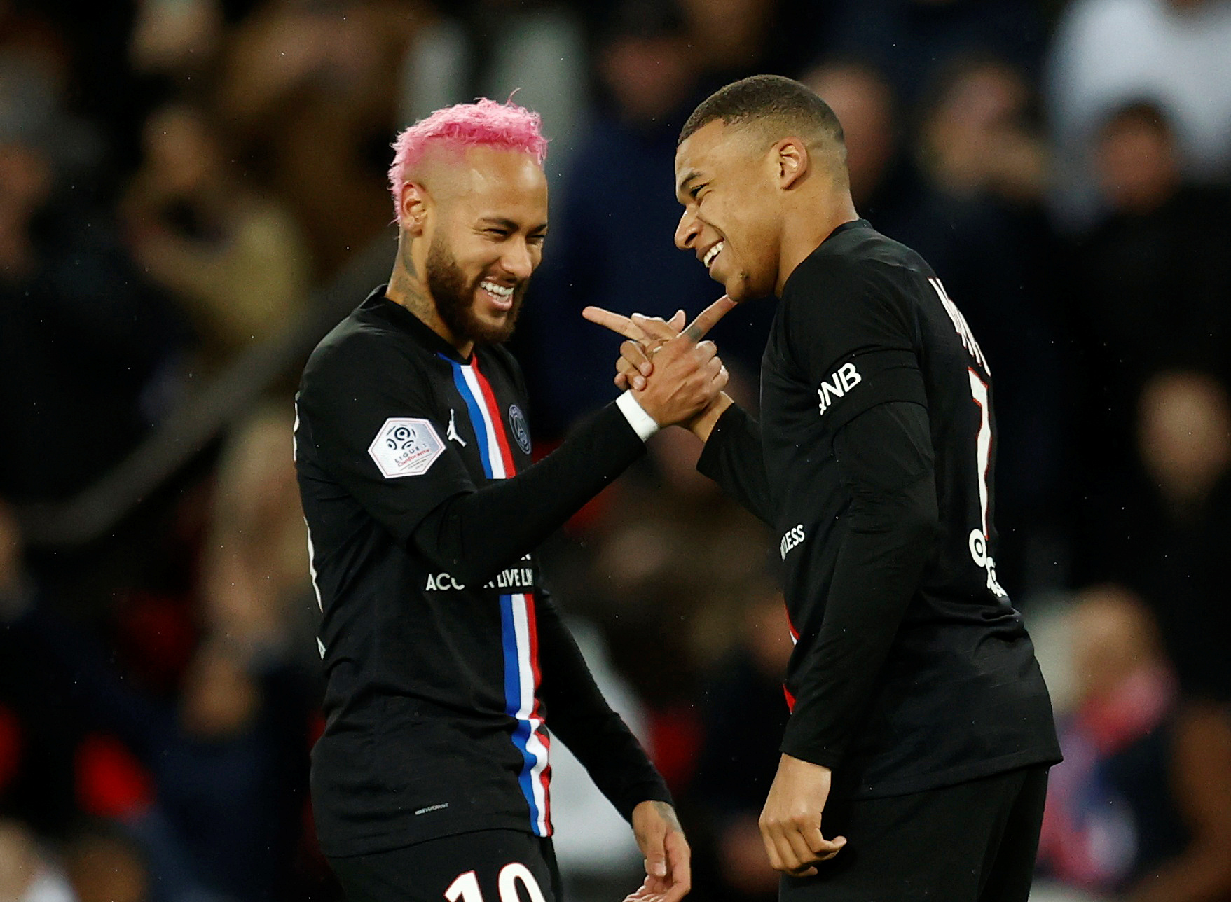 Football - Transferts - Le journal du mercato : Neymar et Mbappé pourraient perdre plus de 20% de leur valeur à cause du coronavirus