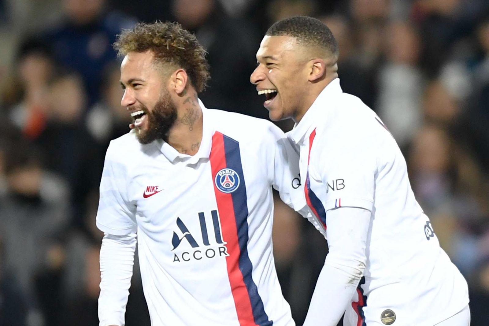Le journal du mercato : six clubs courtisent Mbappé et Neymar