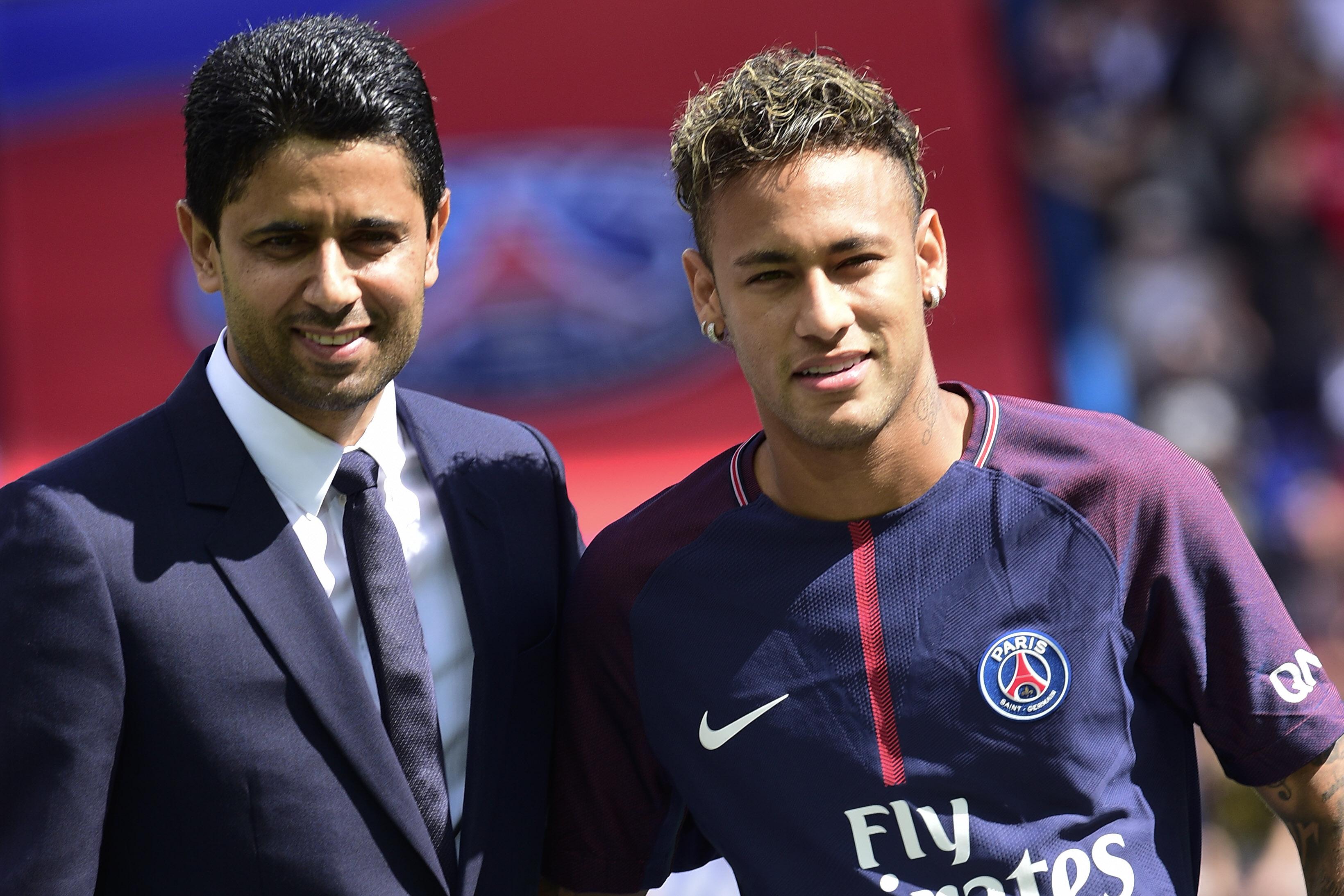 Football - Transferts - Le Paris SG repousse une première approche de Barcelone pour Neymar