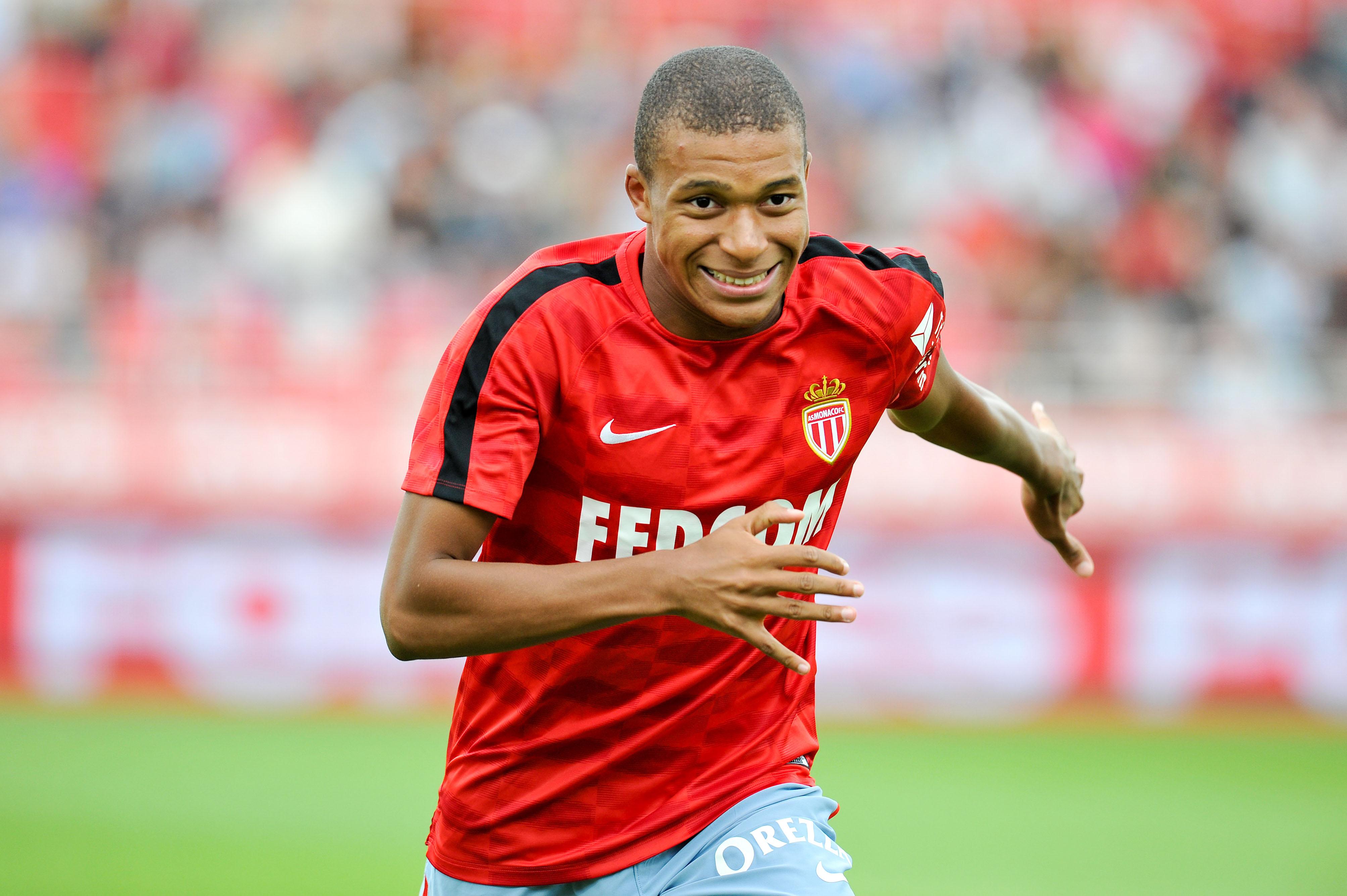 Football - Transferts - Les Ultras de Monaco s'en prennent à Kylian Mbappé