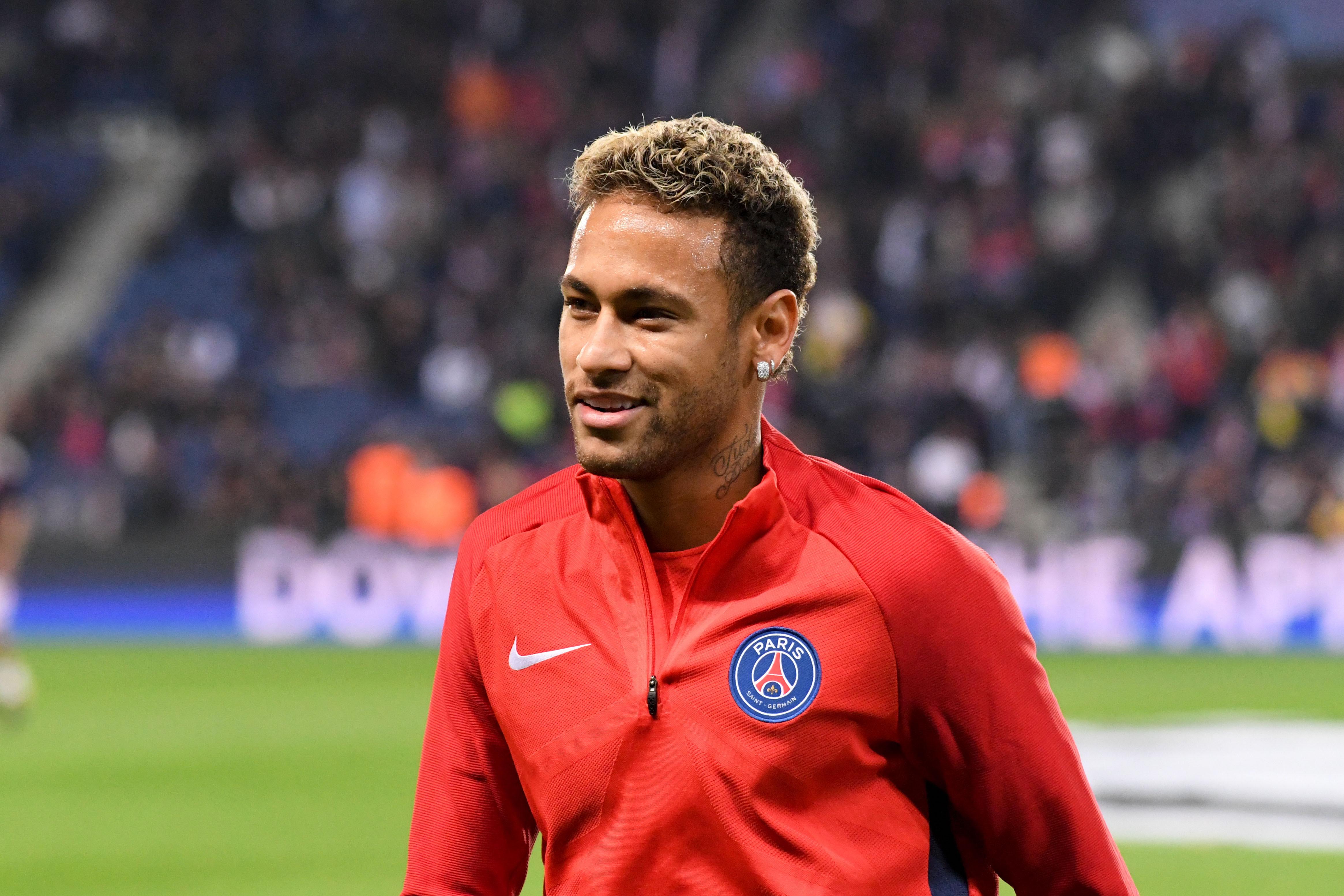 Football - Transferts - Neymar avait annoncé en juin son départ au PSG