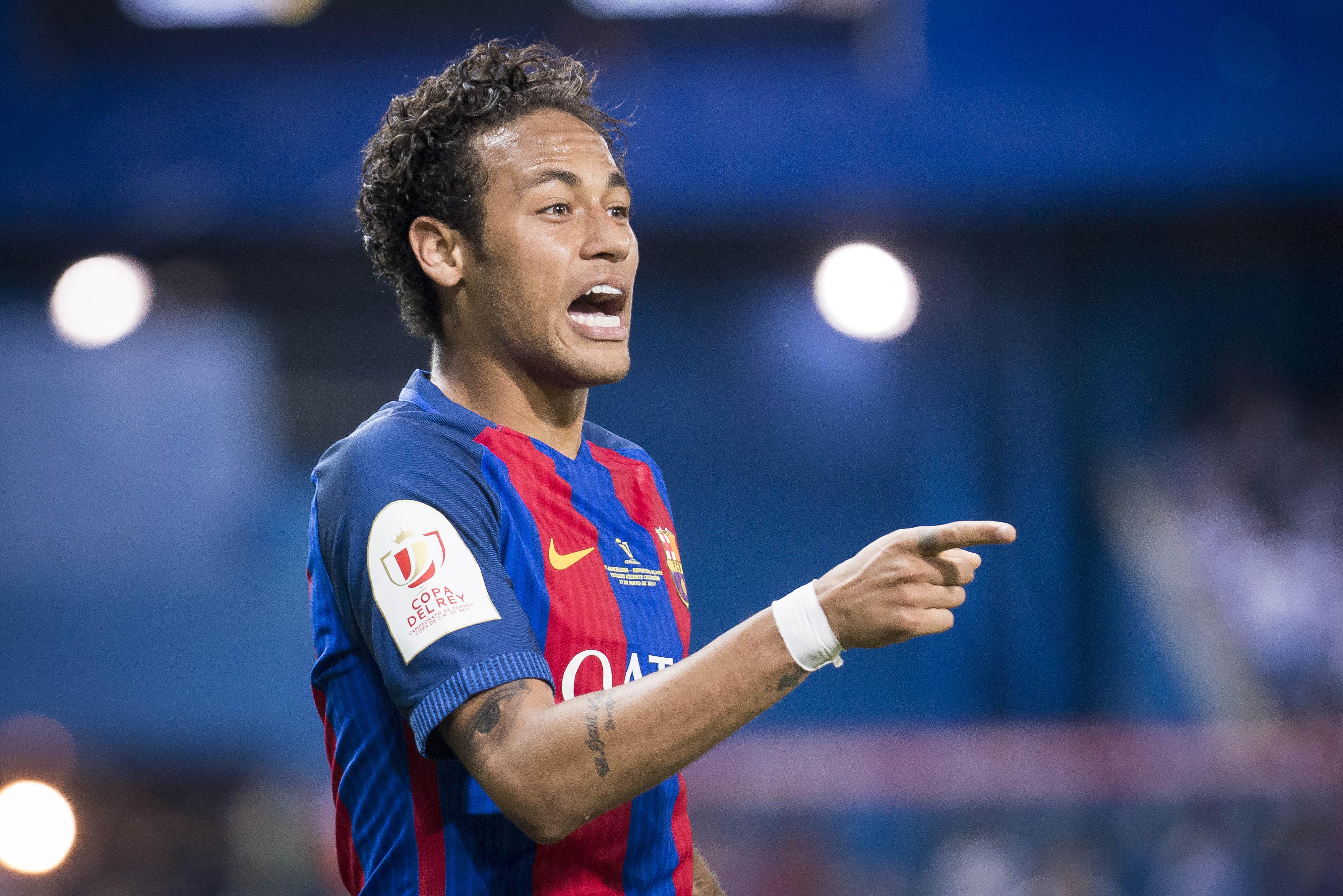Football - Transferts - Neymar au PSG: comprendre le dossier en 4 minutes