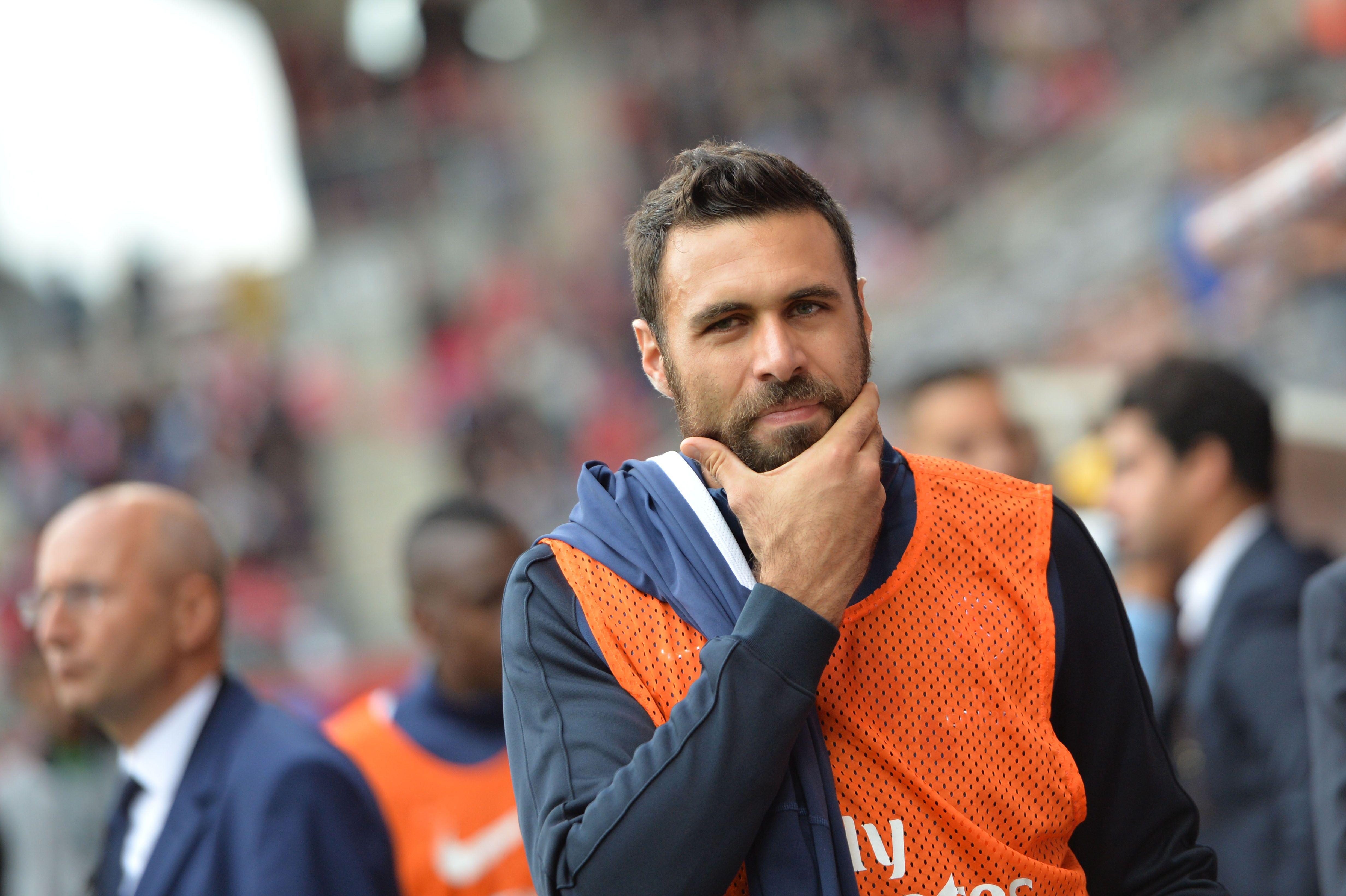 Football - Transferts - Porte de sortie à Milan pour Sirigu ?