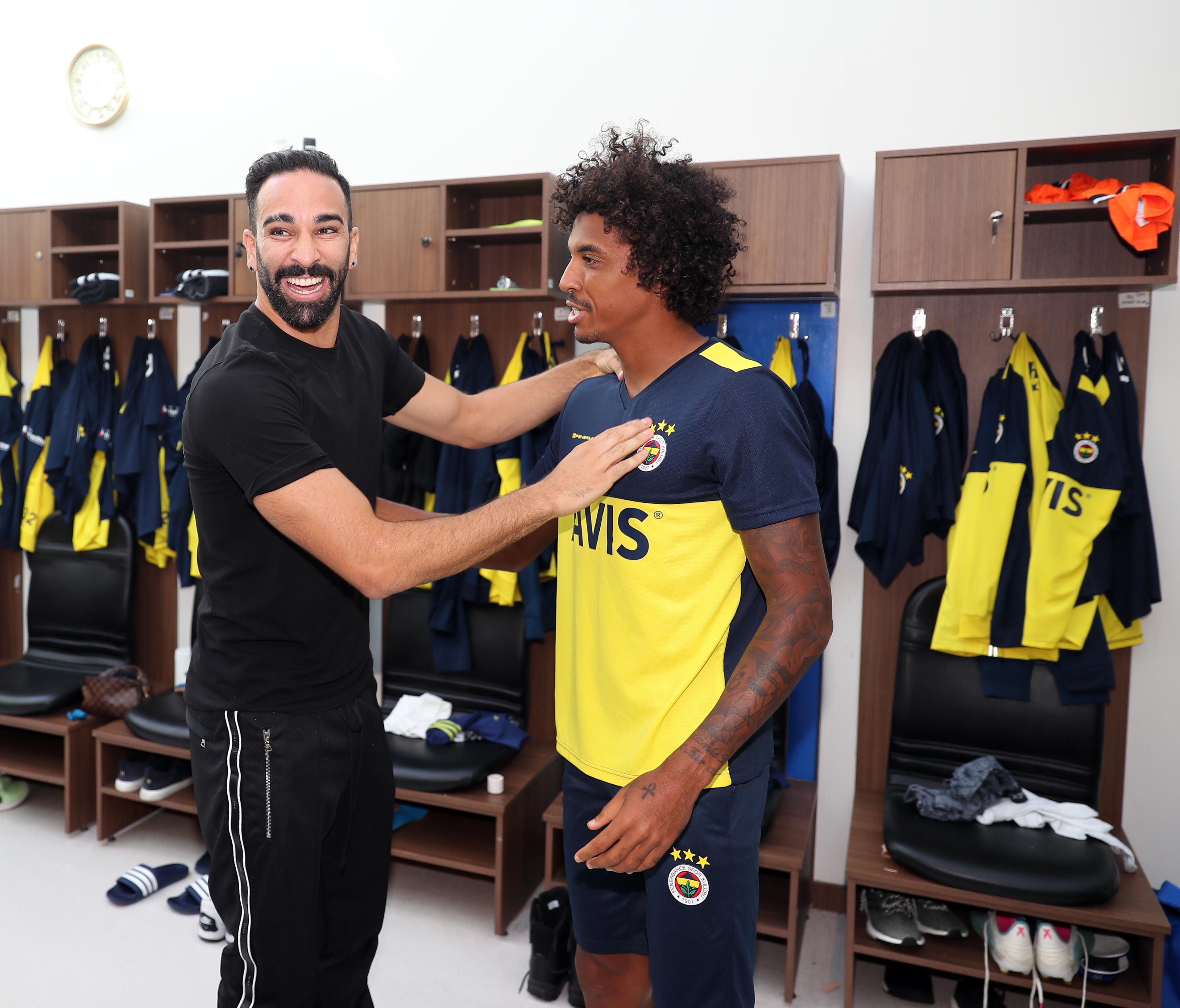 Football - Transferts - Pour quitter l'OM, Luiz Gustavo aurait payé 1 M¬ de sa poche
