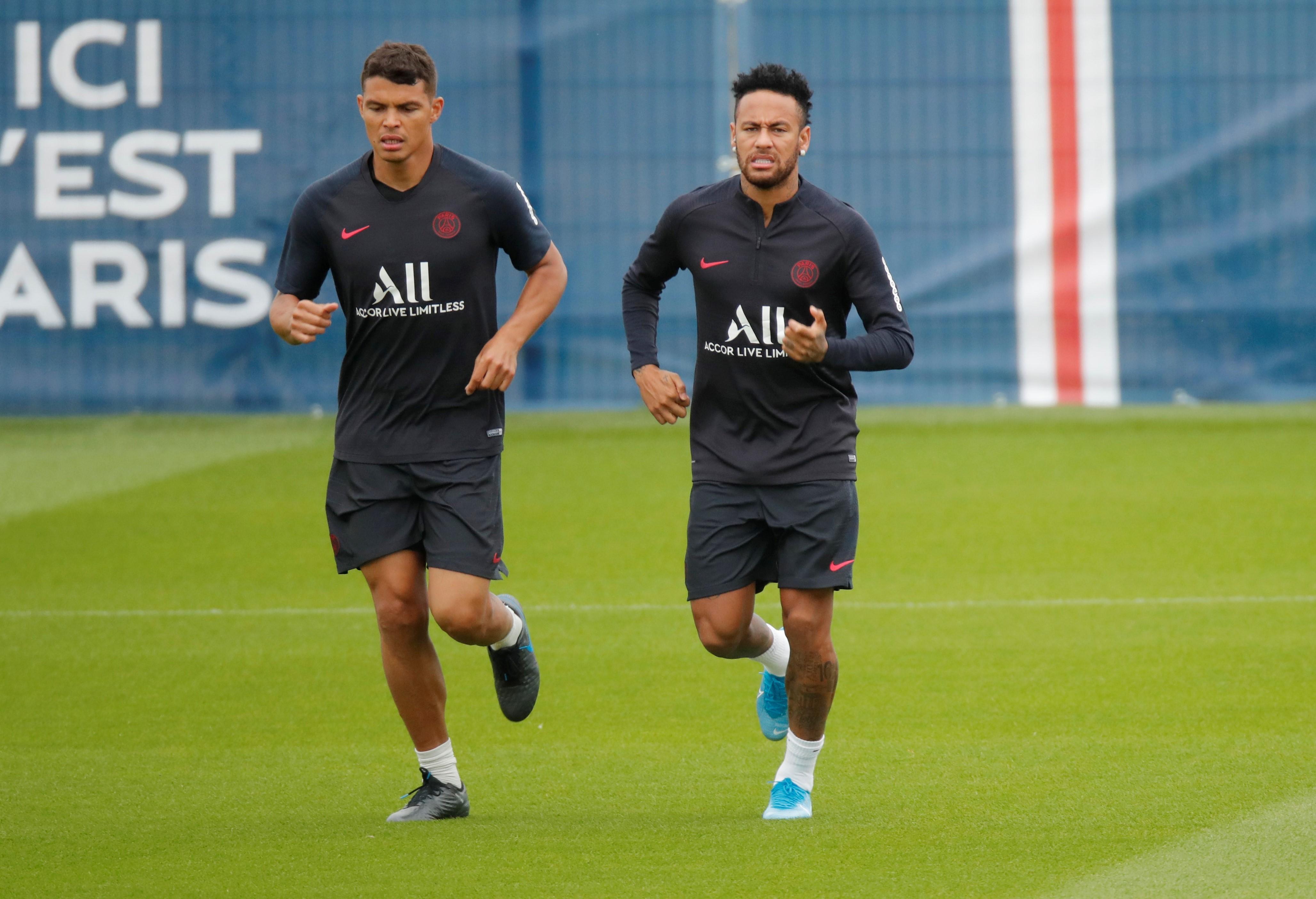 Football - Transferts - Thiago Silva a demandé à Neymar de rester au PSG : «il est indispensable pour nous»