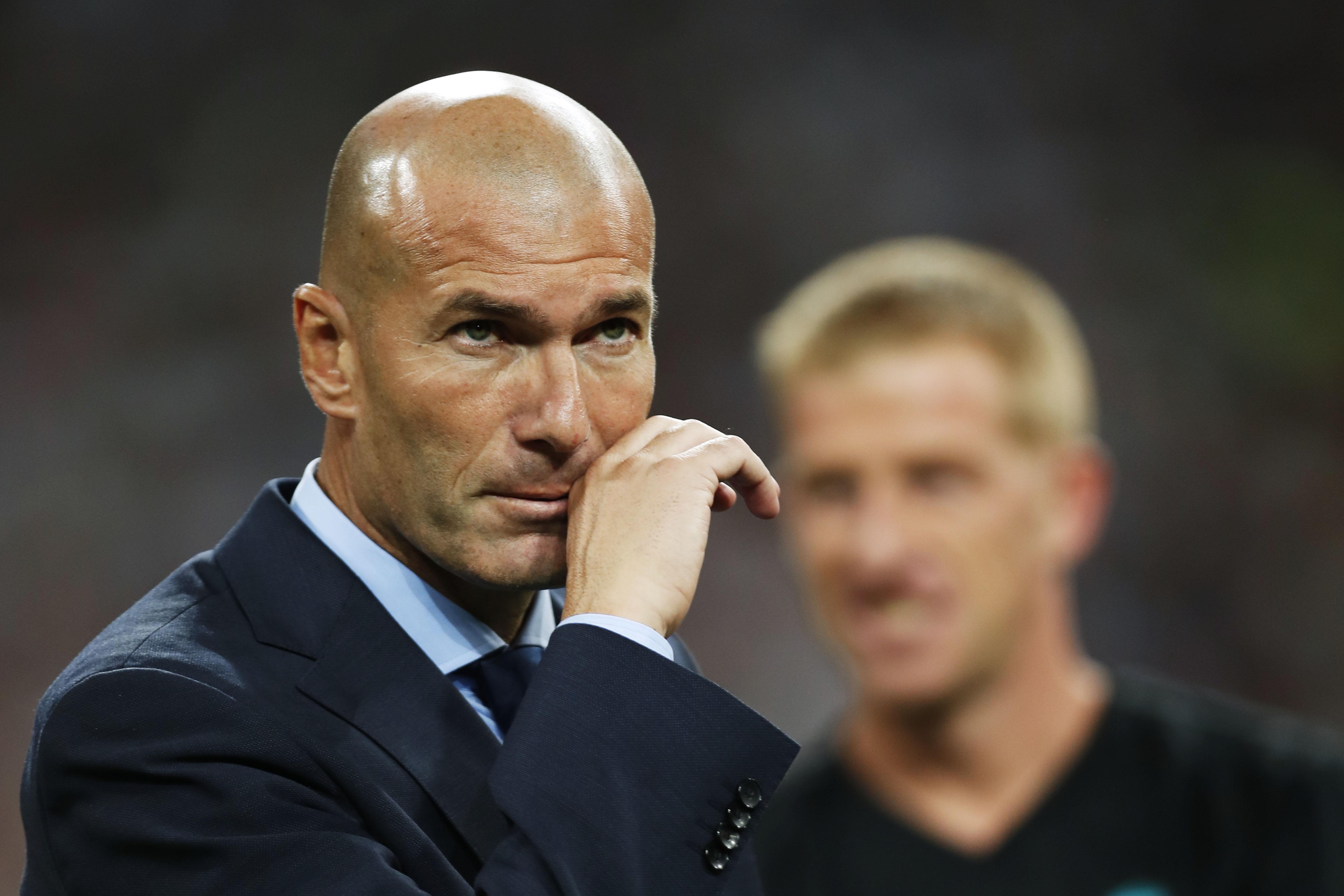Zidane le mercato doit s 39 arr ter quand le championnat reprend transferts football - Quand doit on tailler les coniferes ...
