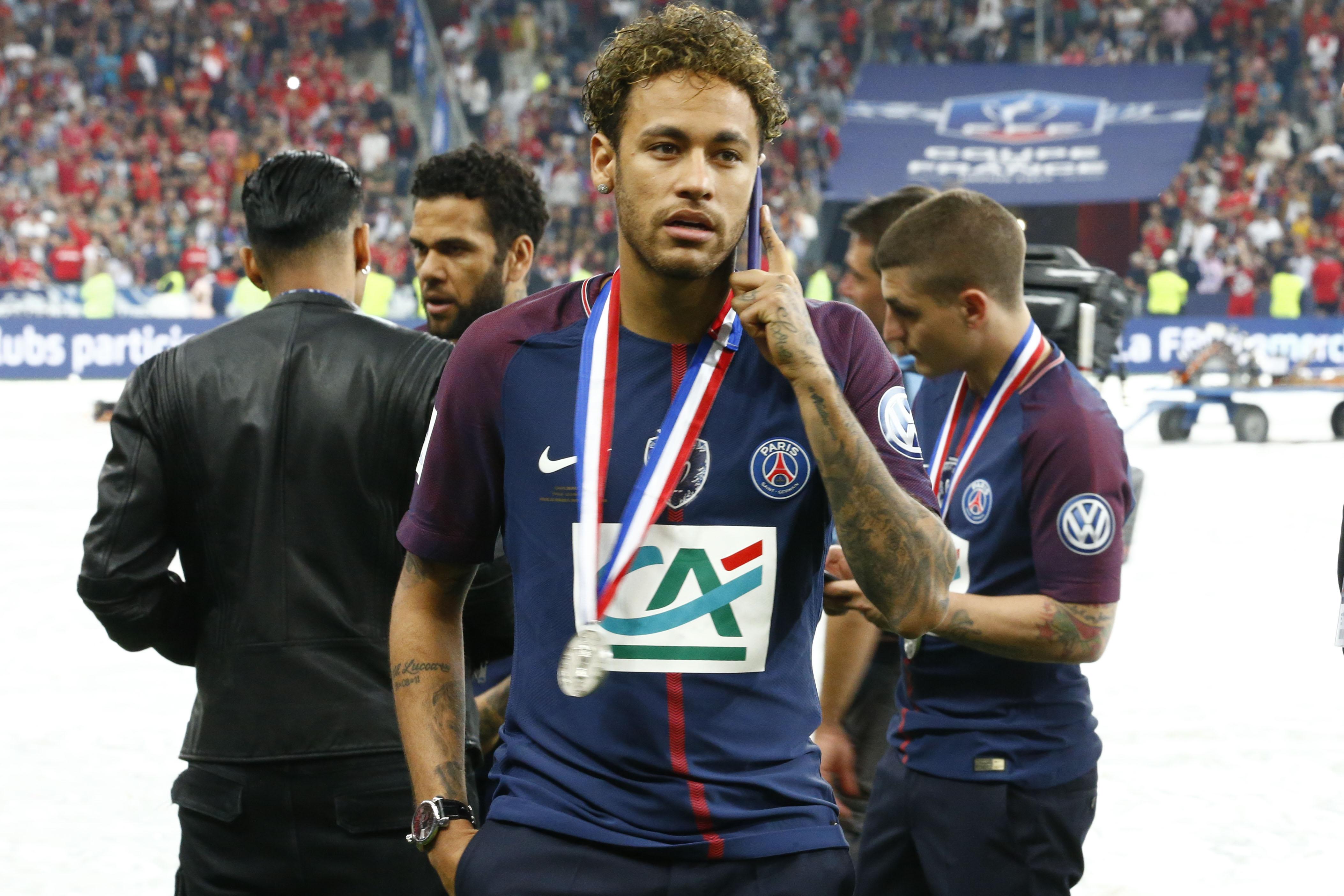 Football - Transferts - Le journal du mercato : As annonce des négociations entre le Real et Neymar