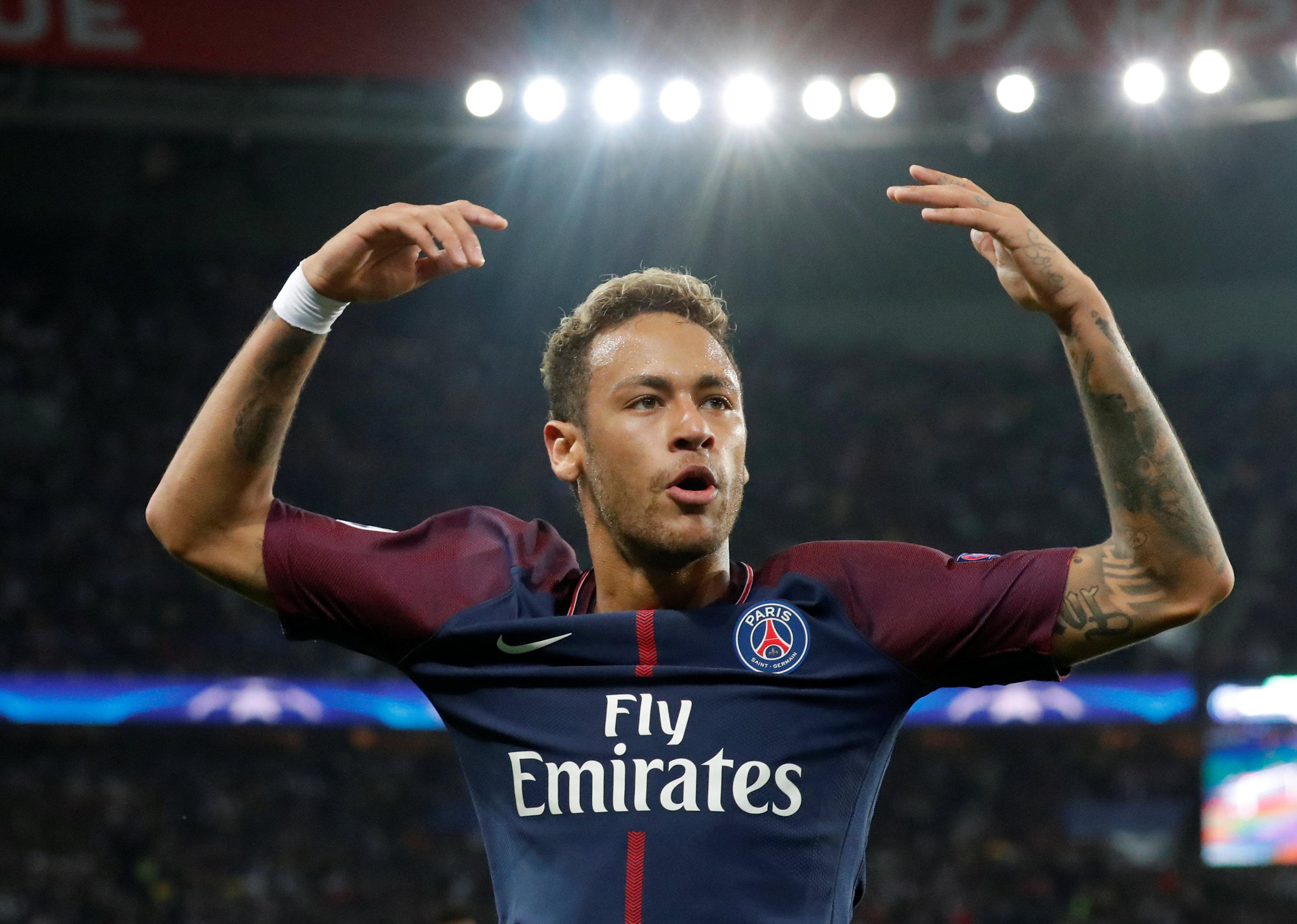 Football - Un maillot de Neymar pour sauver un club amateur dans le Gard