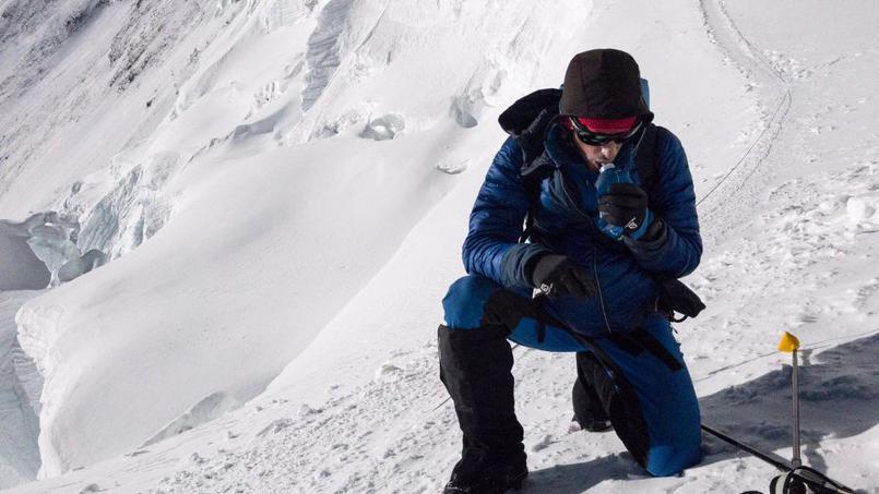 Free zone - L'aventurier Kilian Jornet grimpe l'Everest… deux fois en une semaine