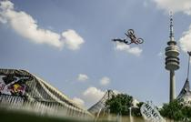 Le Red Bull X-Fighters sur l'eau !