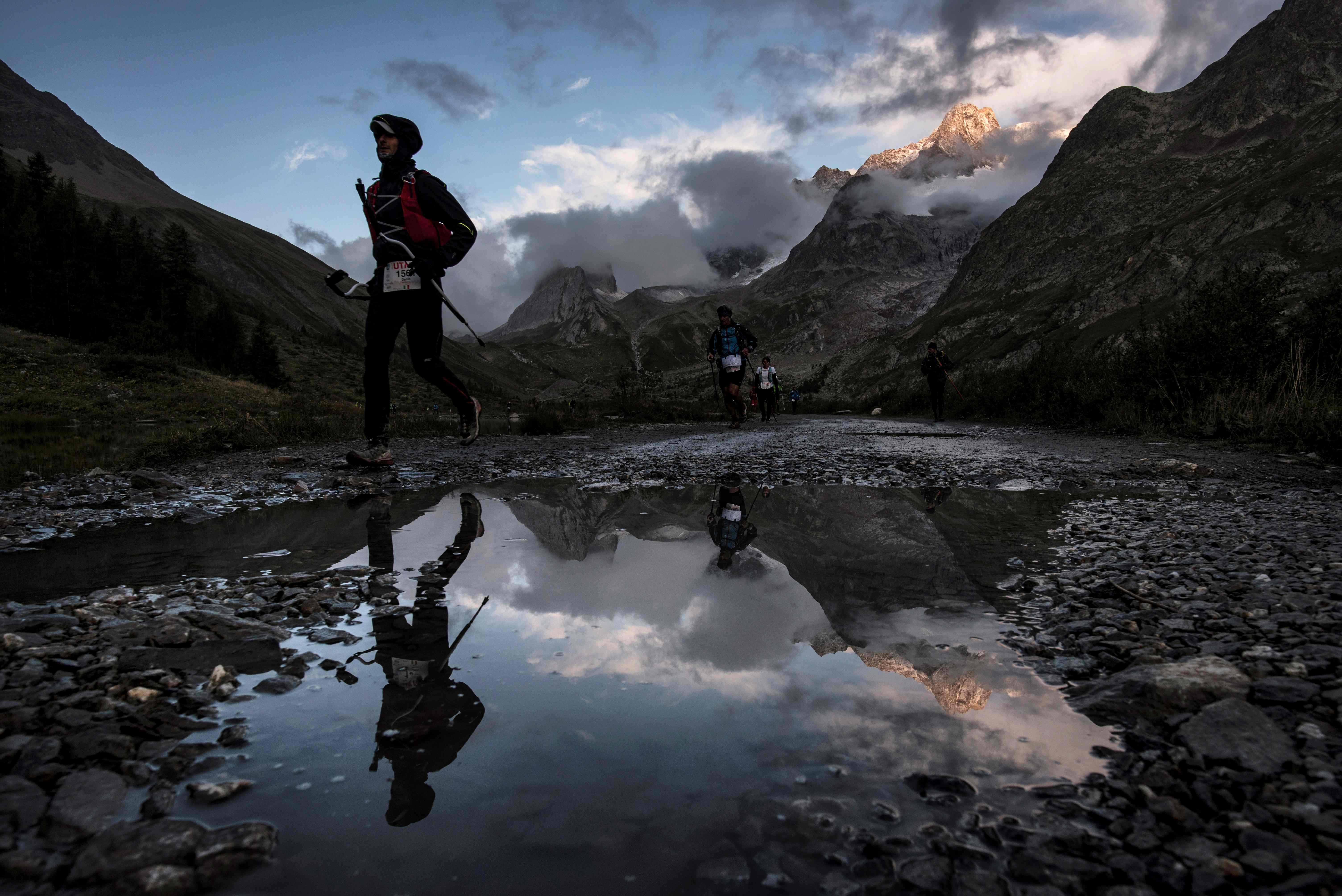 Ultra trail du mont blanc 2017 r cit d une course dantesque free zone - Mois du blanc 2017 ...