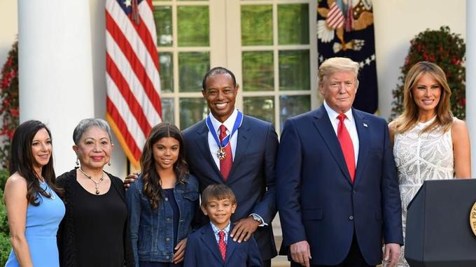 Golf - Tiger Woods, décoré par Donald Trump