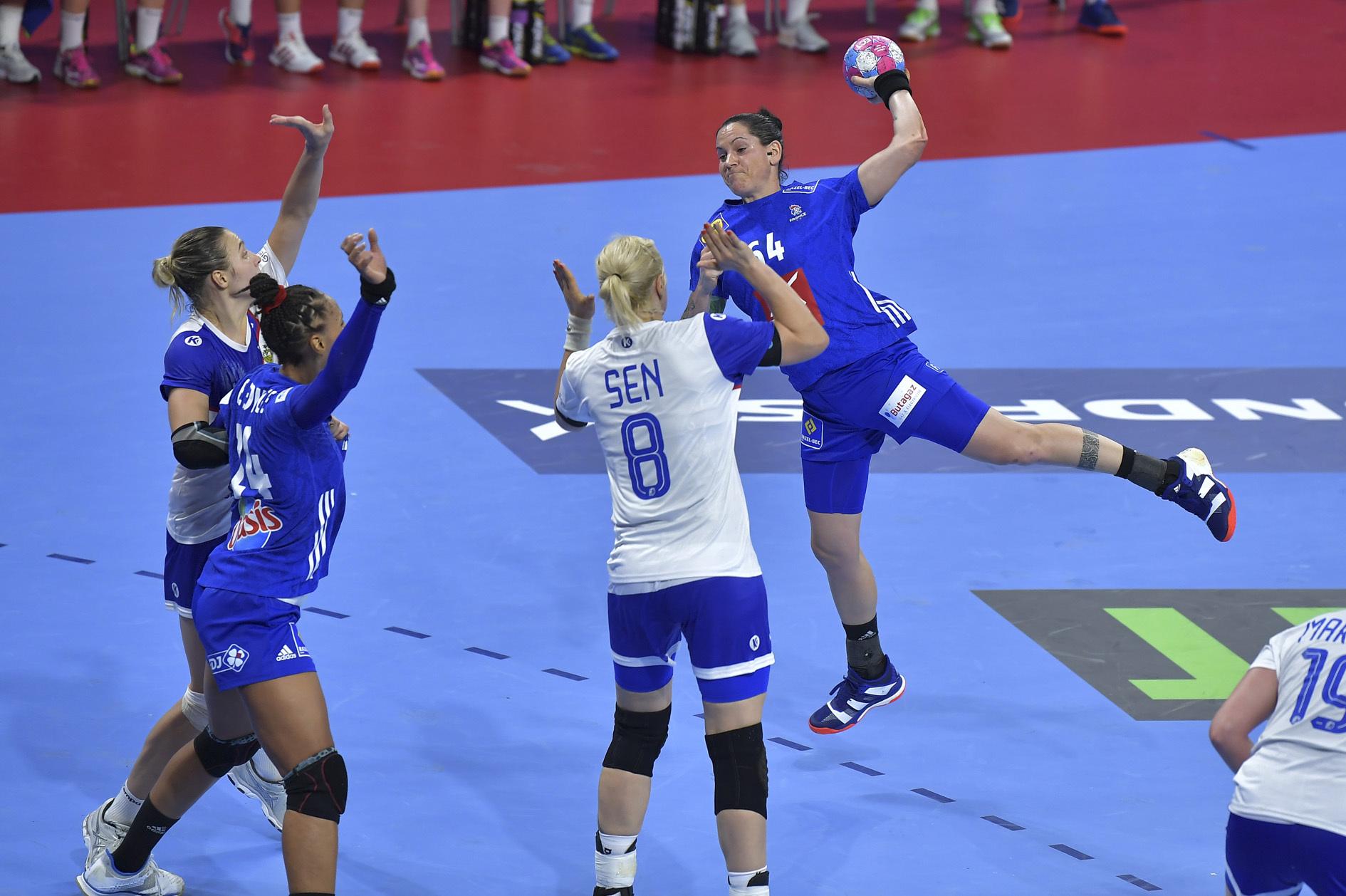 Handball - Equipe de France - Euro 2018 : Les Bleues ratent leur entrée en matière