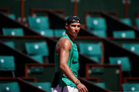 2017-05-25T135518Z_782832289_RC1CDFE4AEB0_RTRMADP_3_TENNIS-FRENCHOPEN_image