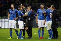 2017-11-13T215854Z_590975112_RC11293F0BE0_RTRMADP_3_SOCCER-WORLDCUP-ITA-SWE_image