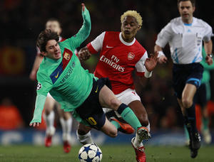 Arsenal-Barcelone-Song-sur-Messi_diaporama
