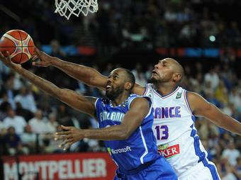 Boris-Diaw_full_diapos_large