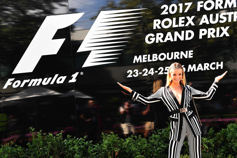Auto/Moto - Grid girl, Ricciardo en détresse, la joie de Vettel : le Grand Prix d'Australie en images