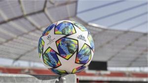 Adidas dévoile le ballon officiel pour la phase de groupes