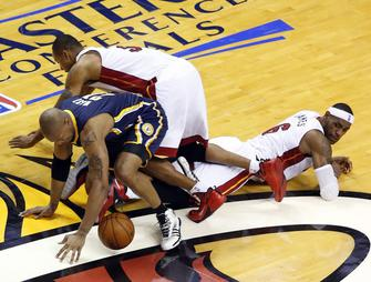 David West, Rashard Lewis, LeBron James