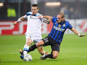 Inter-Lille-Debuchy-Sneijder_full_diapos_large
