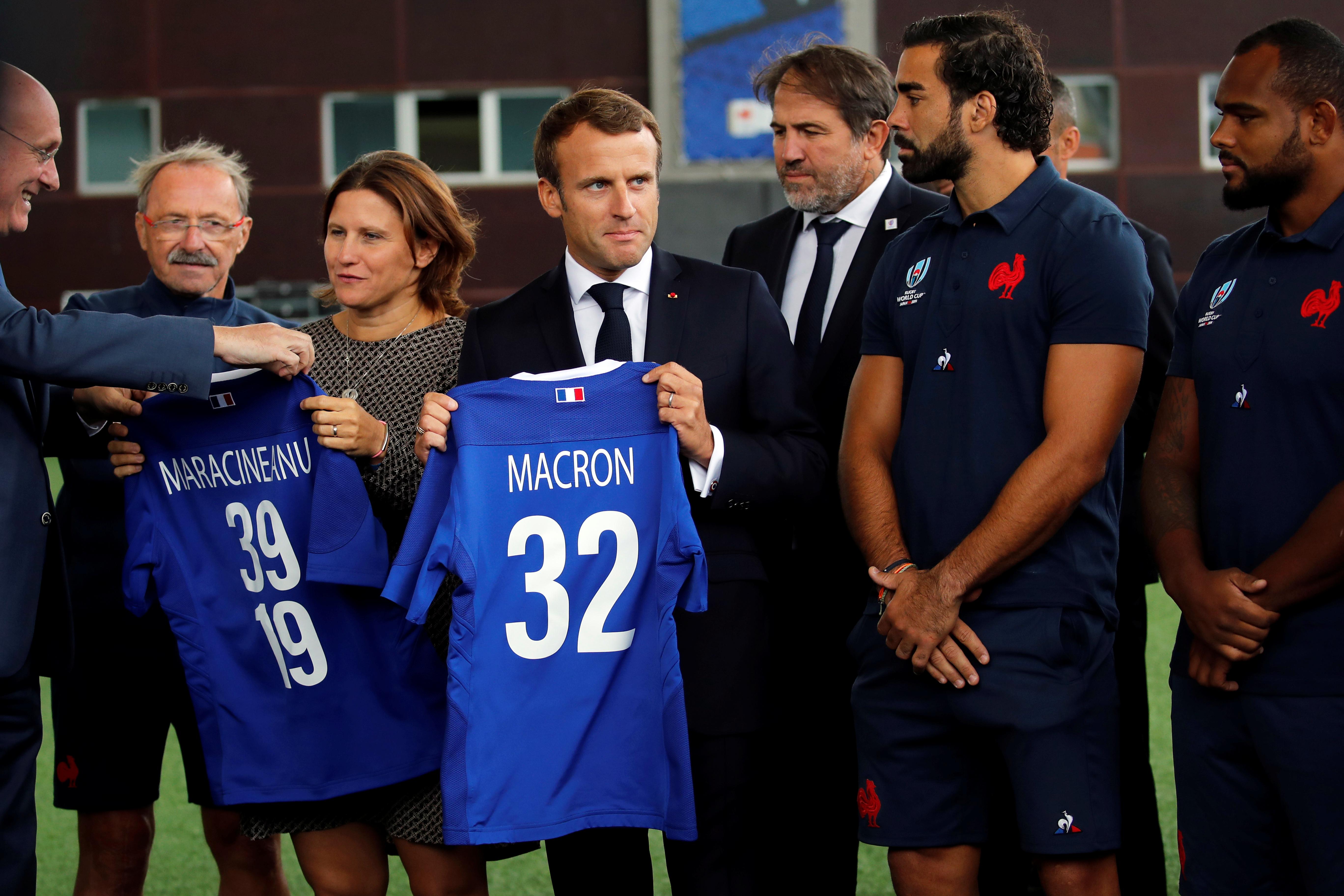 Rugby - Coupe du monde 2019 - XV de France : la visite de Macron à Marcoussis en images