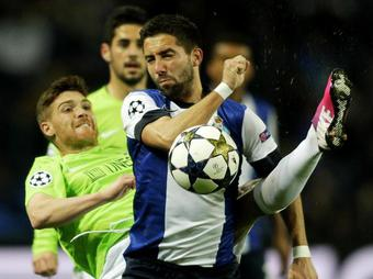 Porto-Malaga-Moutinho_full_diapos_large