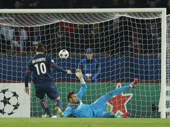PSG-Olympiakos-But-Ibrahimovic_full_diapos_large