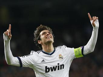 Real-Ajax-Joie-Kaka_full_diapos_large