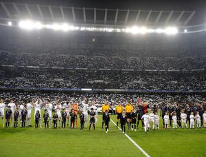 Real-Madrid-Lyon-Entree-des-equipes_diaporama