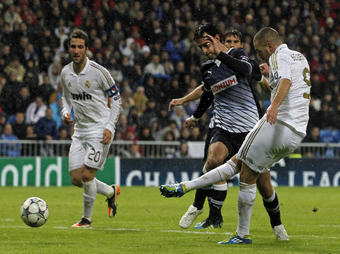 Real-Zagreb-Benzema_full_diapos_large