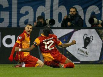 Schalke-Galatasaray-Yilmaz_full_diapos_large