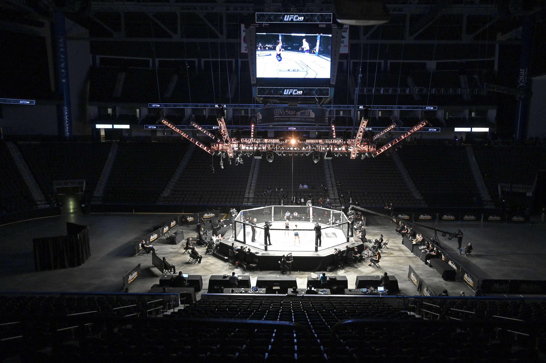 MMA - MMA: l'UFC a repris ses combats à huis clos et reçu les félicitations de Trump