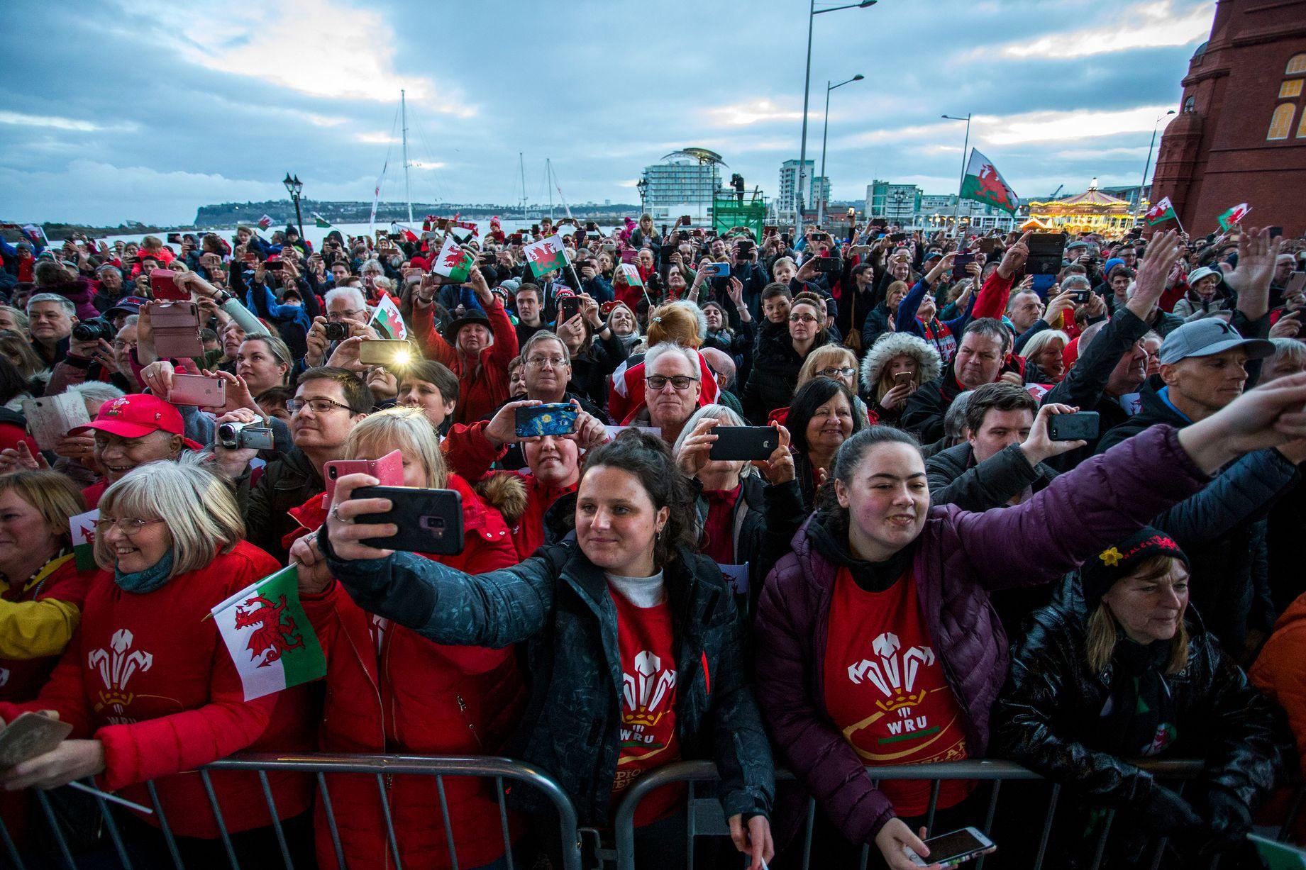 Rugby - 6 Nations - Marée humaine à Cardiff pour fêter les héros du Grand Chelem (en vidéo)