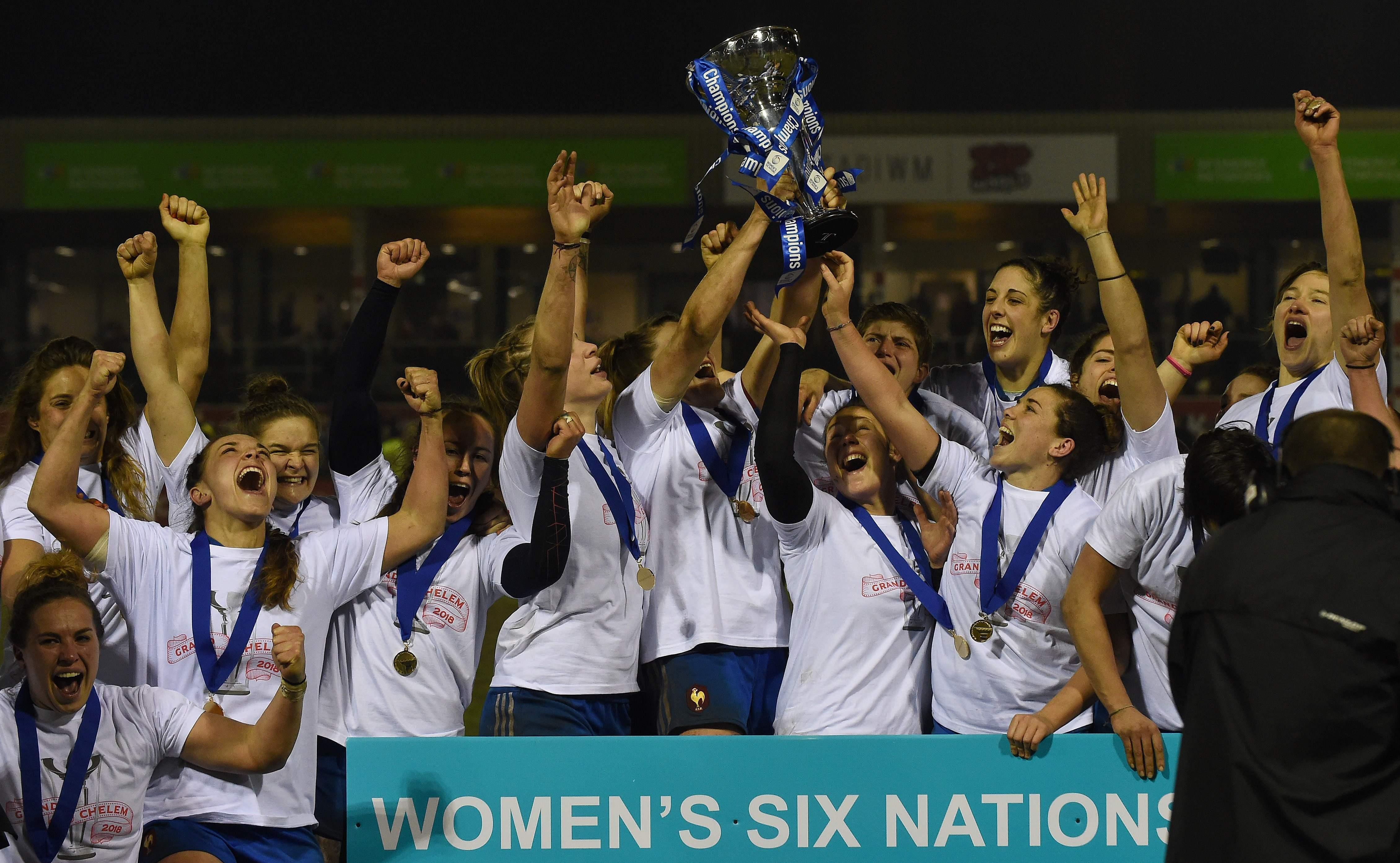 Rugby - 6 Nations - XV de France féminin : Les Bleues sur le toit du rugby européen